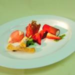 Erdbeer-Joghurt Komposition mit Schokolade