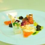 Lachsröllchen mit Kaviar, Orangenfenchel und Senfmarinade